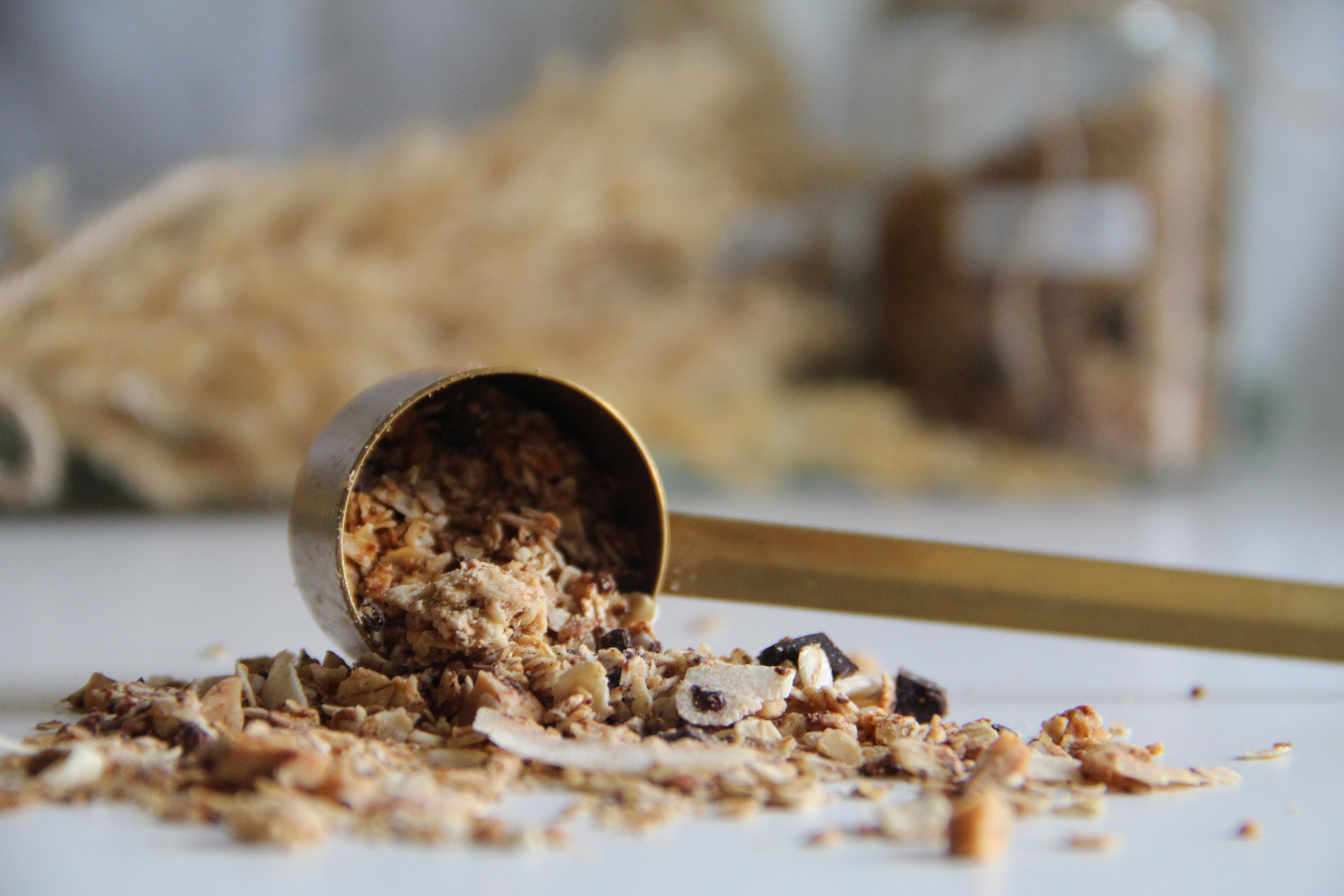 Domáca granola s arašidovým maslom